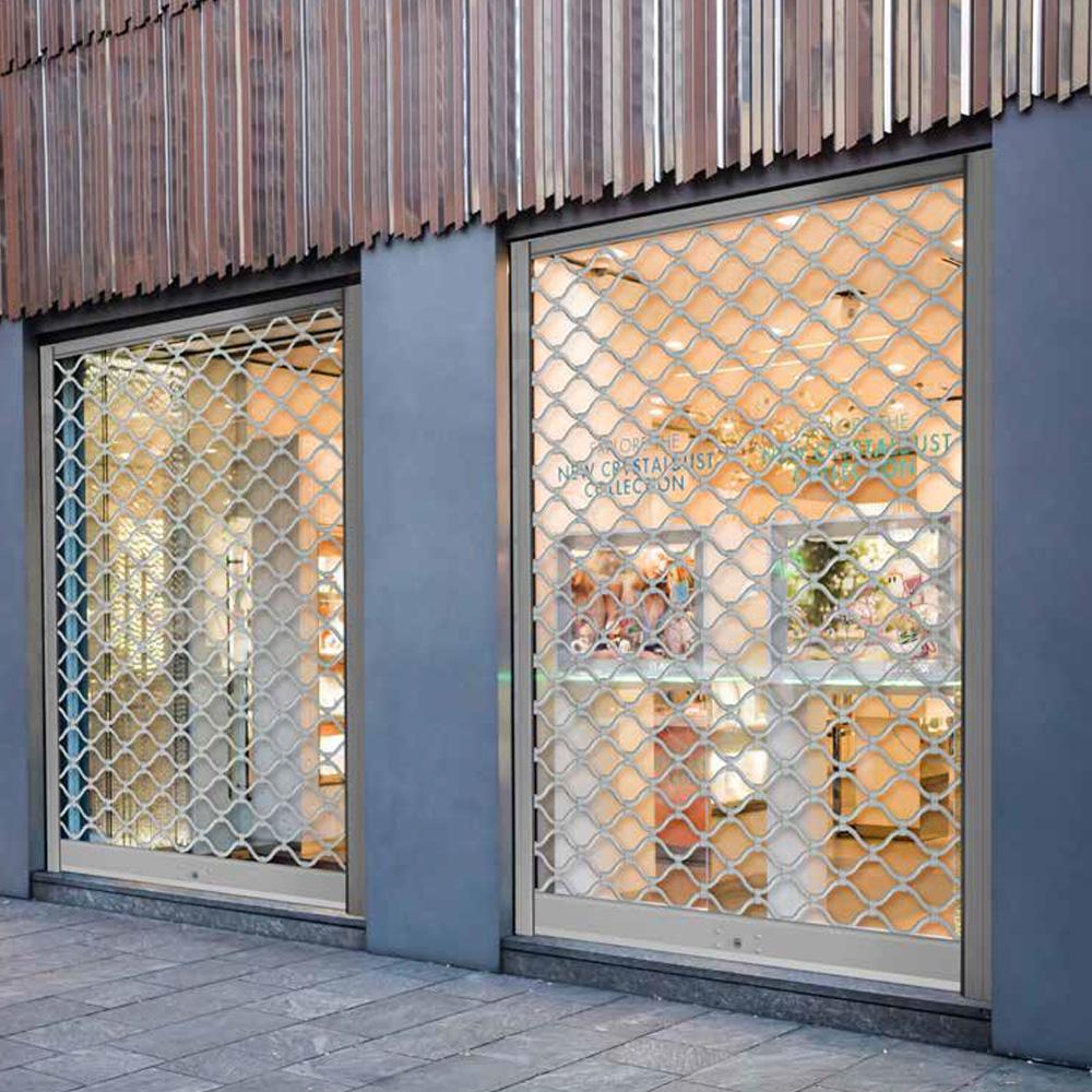 Grades de enrolar para portas e janelas no Restelo